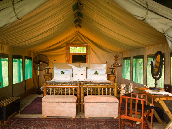 Xakanaxa Camp - Small & intimate
