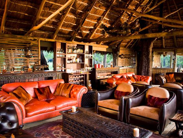Xakanaxa Camp - Colonial-style ambience