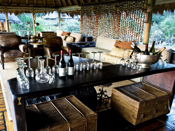 Mombo Camp - Full-stocked bar