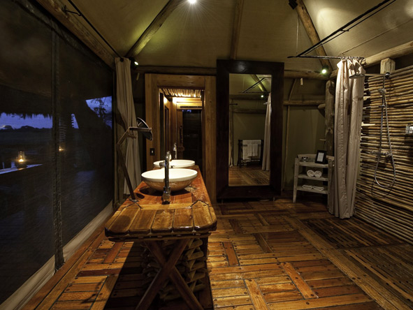 Mombo Camp - En suite facilities