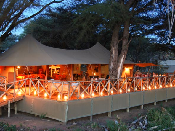 Discover Kenya Private 4x4 Safari - Alfresco dining
