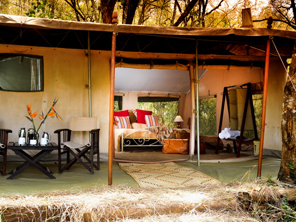 Affordable Kenya Flying Safari - Authentic safari ambience