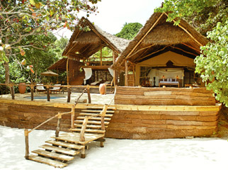 Top 5 Places to Pop the Question - Fundu Lagoon