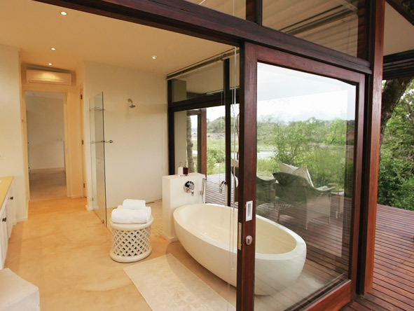 Even the bathrooms at Lion Sands properties enjoy spectacular views.