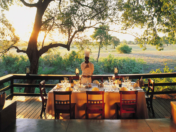Famous for their world-class cuisine, Sabi Sabi camps like to serve their meals alfresco!