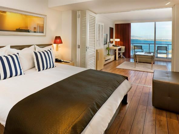 Radisson Blu Hotel Waterfront - Ocean views