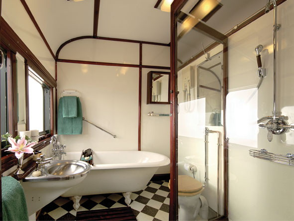 Train Journey to Vic Falls - En suite bathrooms
