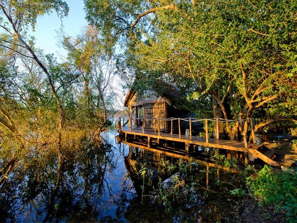 Sindabezi Island Camp - Small & intimate