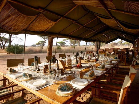 Natural Tanzania - Communal dining