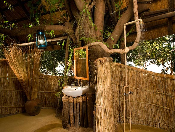 Safari & Beach Exploration - Outdoor showers