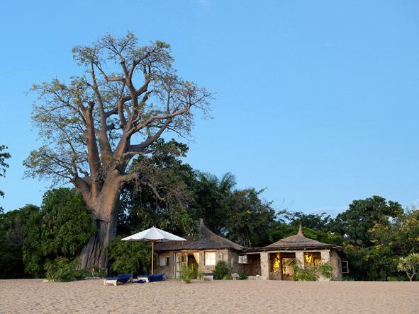Mvuu & Kaya Mawa Adventure - Beachside cottages
