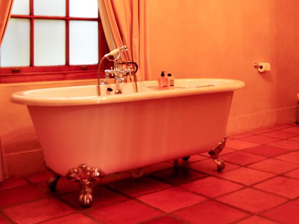 Avondrood Guest House - Victorian baths