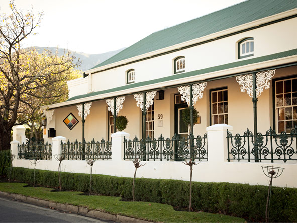 Avondrood Guest House - Perfectly located