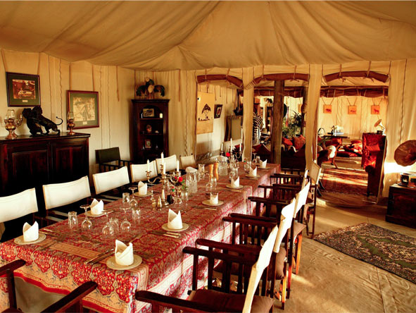 Cottars 1920s Camp - Elegant dining tent