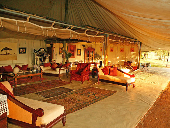 Lavish Getaway Flying Safari - Spacious lounge areas