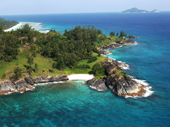 Decadent Safari & Seychelles Islands - Robinson Crusoe-style experience