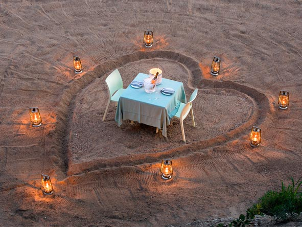 Cape, Kruger & Mozambique Insights - Romantic private dinners