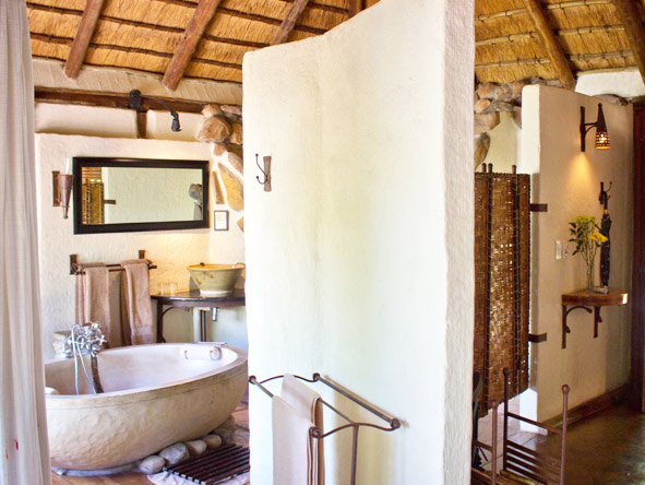 Tanamera Lodge - Modern comfort with traditional design