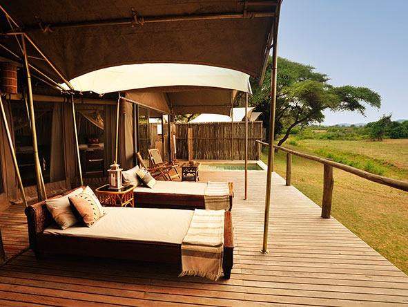 Anabezi Luxury Tented Camp - daybed