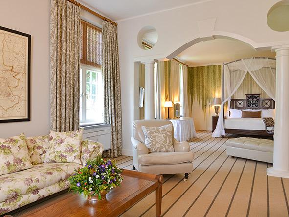 Vic Falls Hotel Exec suite