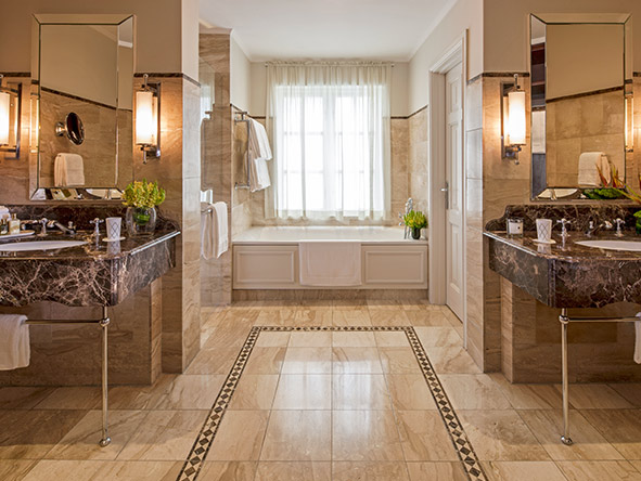The Westcliff Hotel - bathroom