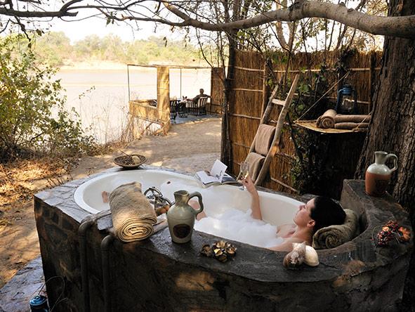 Kaingo outdoor bath