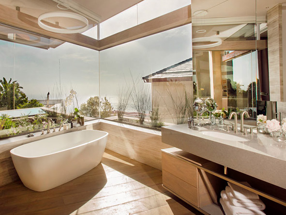 Understated luxury & overwhelming views are enjoyed at all Ellerman properties, right down to the bathrooms.