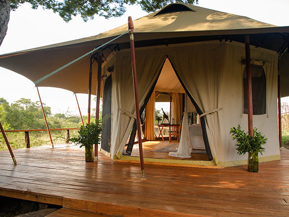 The original Serian Camp moves between seasonal locations to ensure prime game viewing every time.