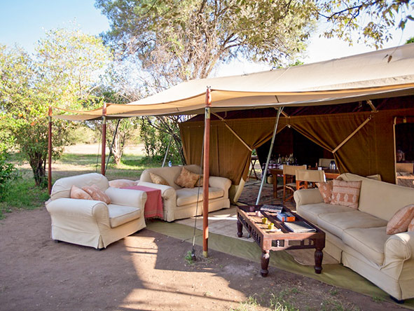 Set your own timetable & relax in classic safari surroundings at Serian's Nkorombo Camp in the Masai Mara.