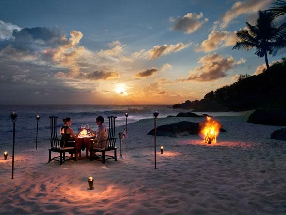 Banyan Tree Seychelles - Beachside private dining