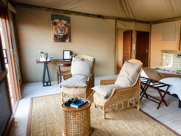 Ghoha Hills Savuti Lodge - Bird watching from Suite