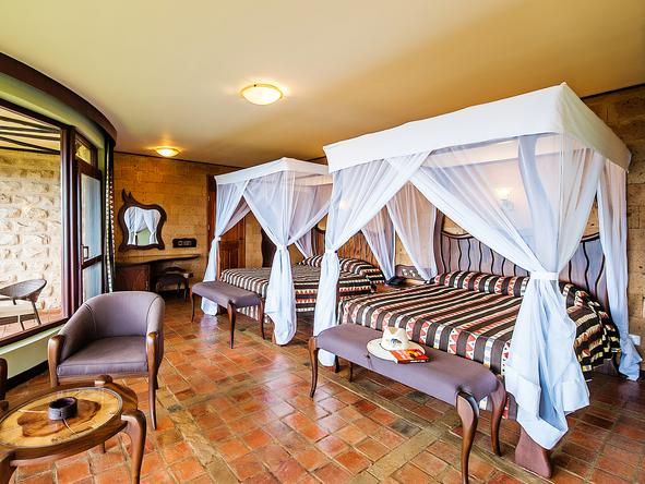 Lake Nakuru Sopa Lodge - luxury suite