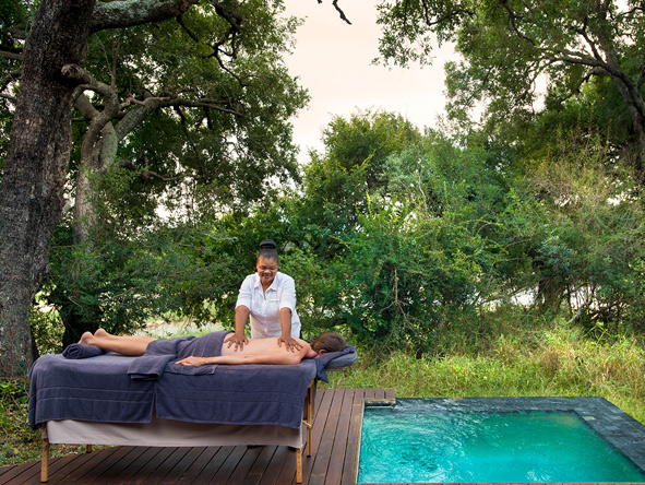 Exeter river lodge, outdoor spa
