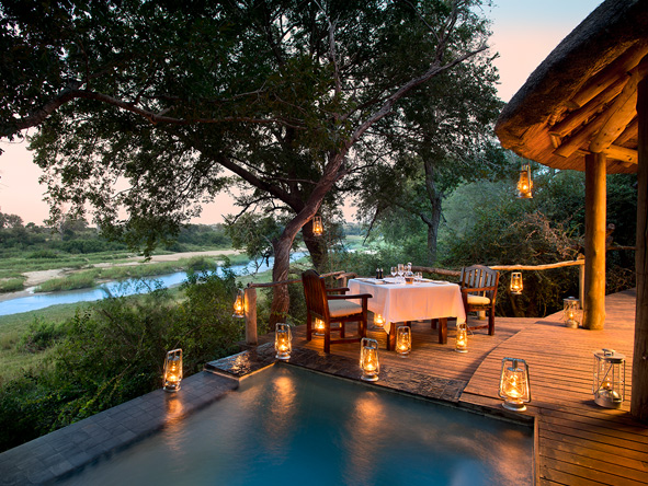 Exeter river lodge, private luxury