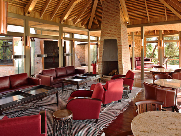 Angama Mara, Main Lodge