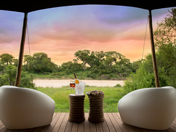 Ngala Tented Camp - sunset drinks