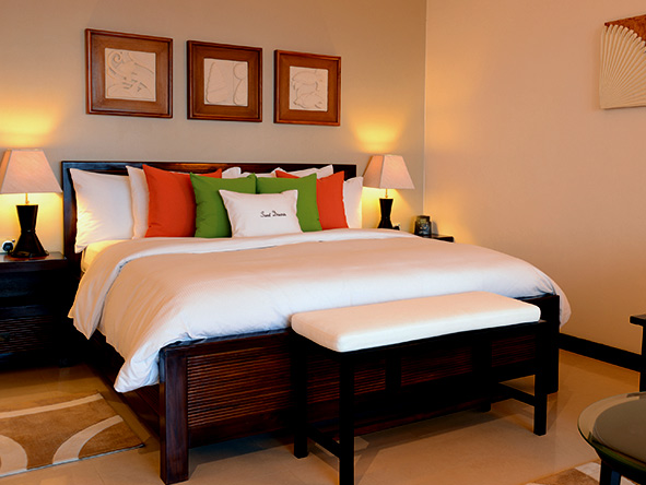 DoubleTree by Hilton Seychelles - bedroom suite