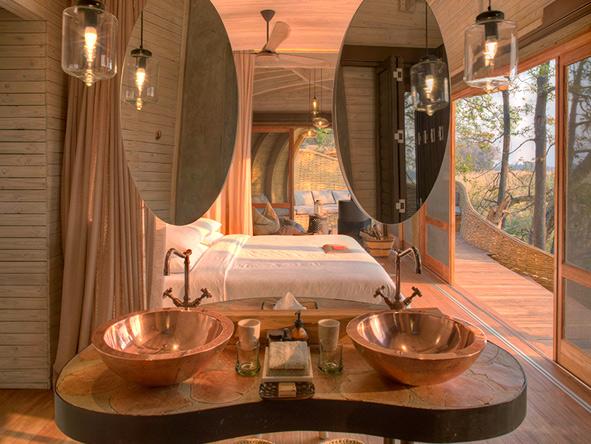 Sandibe Okavango Safari Lodge, bathroom interior