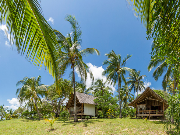 Pole Pole Bungalow Resort, beach bungalows