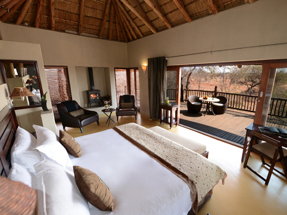 Etali Safari lodge, luxury suite