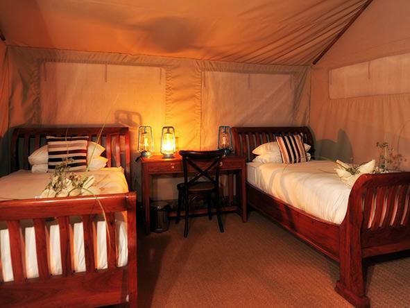 Khwai River Tent, en-suite bathroom