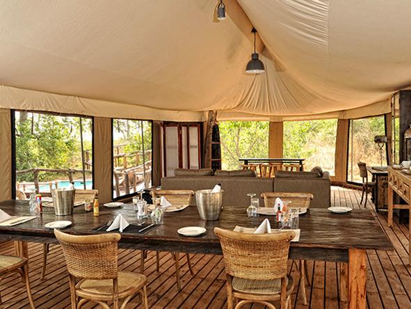 Linyanti Ebony, dining area