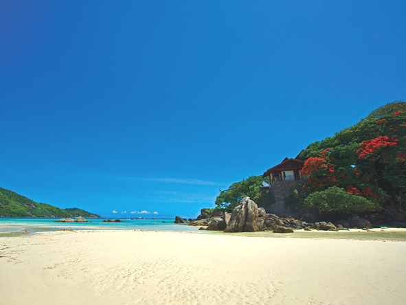 white sandy beaches, seychelles