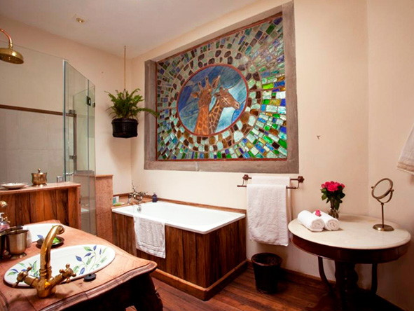 The Giraffe Manor, en-suite bathroom