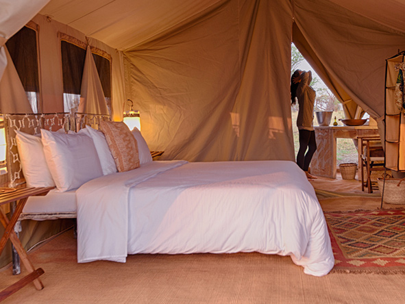 Luxury tent, Bed