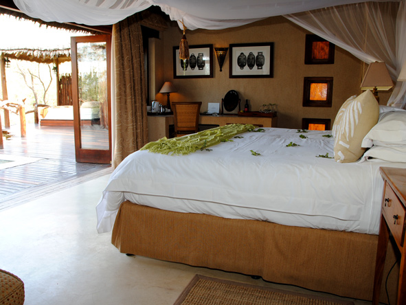 Simbambili luxury private suites