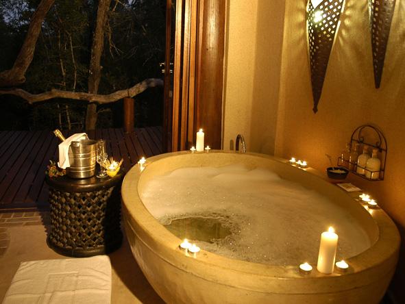 Simbambili, candle lit bath