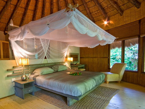 Thonga Beach Lodge, bedroom suite