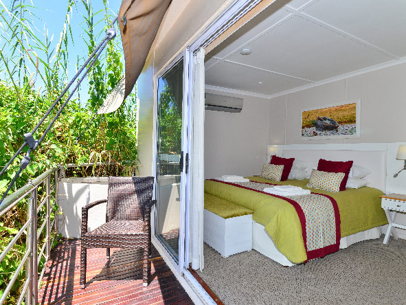Chobe princess, bedroom with balcony