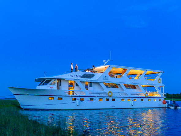 Matusadona Lake Luxury Cruiser, Lake Kariba